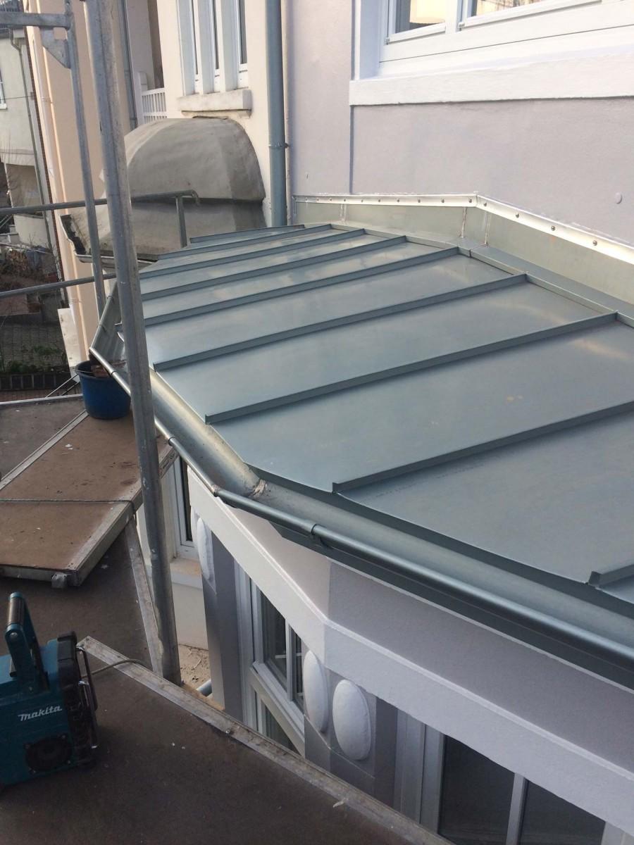 stehfalz-zink-dach 900x1200 | Kopp Dachtechnik